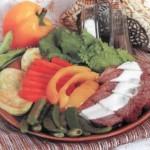 Жареная говядина с овощным гарниром